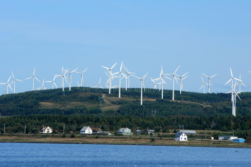 魁北克,在盖帽闲谈的造风机在Gaspesie 免版税库存照片