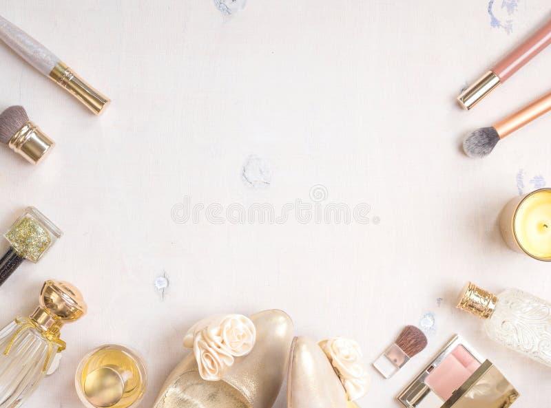 魅力别致的女性化妆背景 免版税库存图片