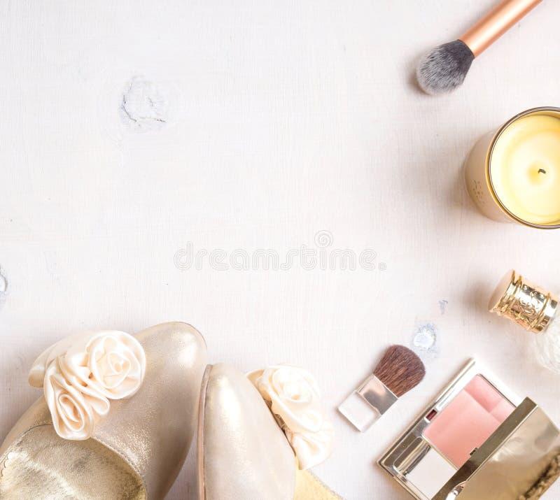 魅力别致的女性化妆背景 免版税库存照片