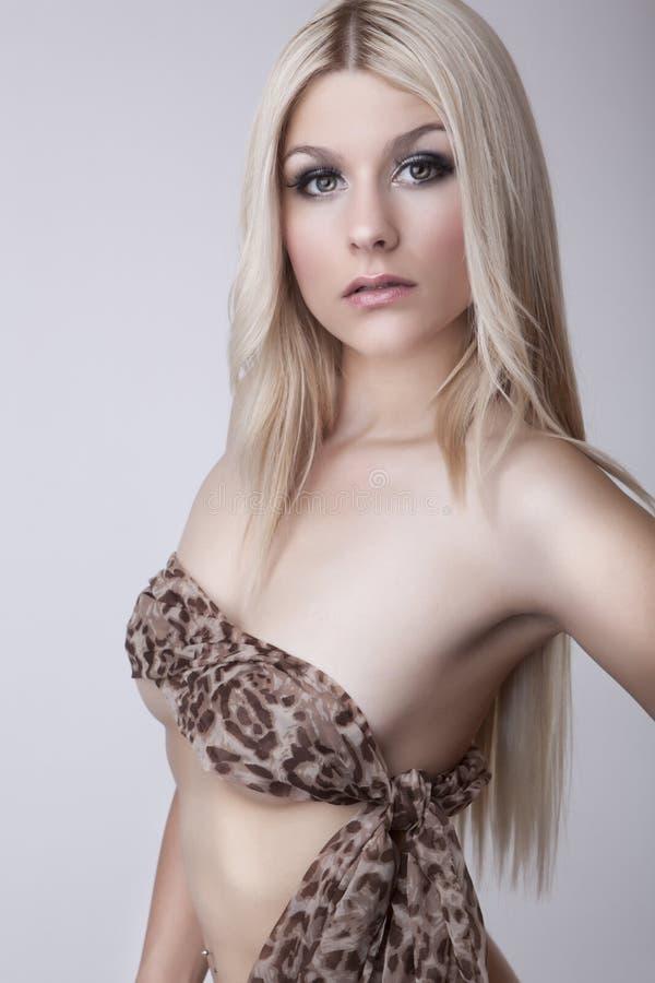 魅力白肤金发的女孩 图库摄影