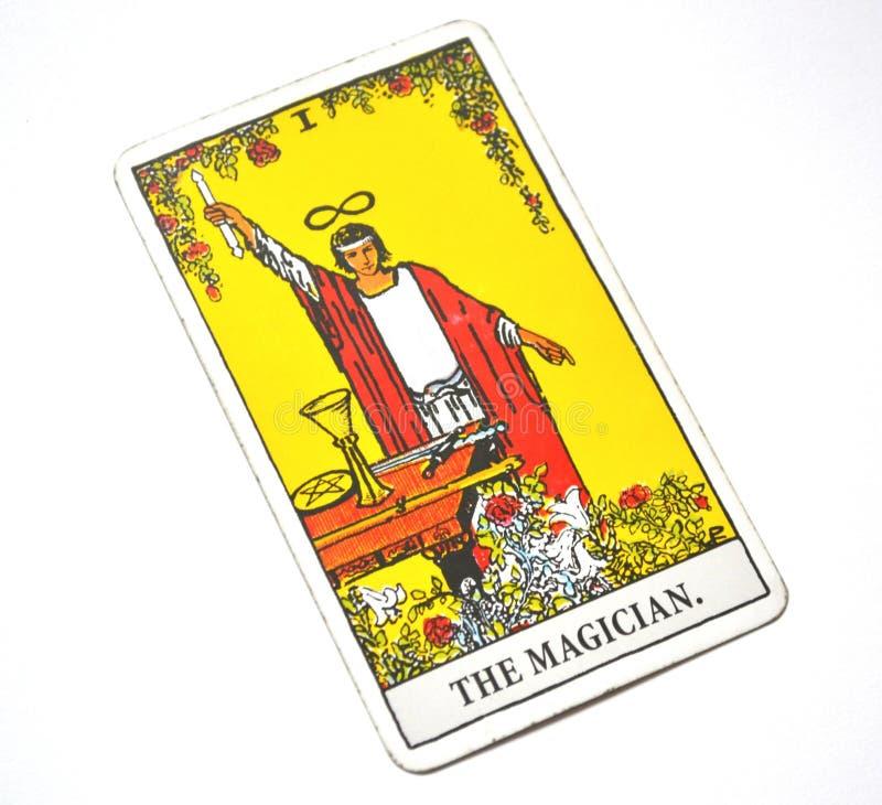 魔术师占卜用的纸牌力量Intelect不可思议的控制白色背景 免版税库存照片