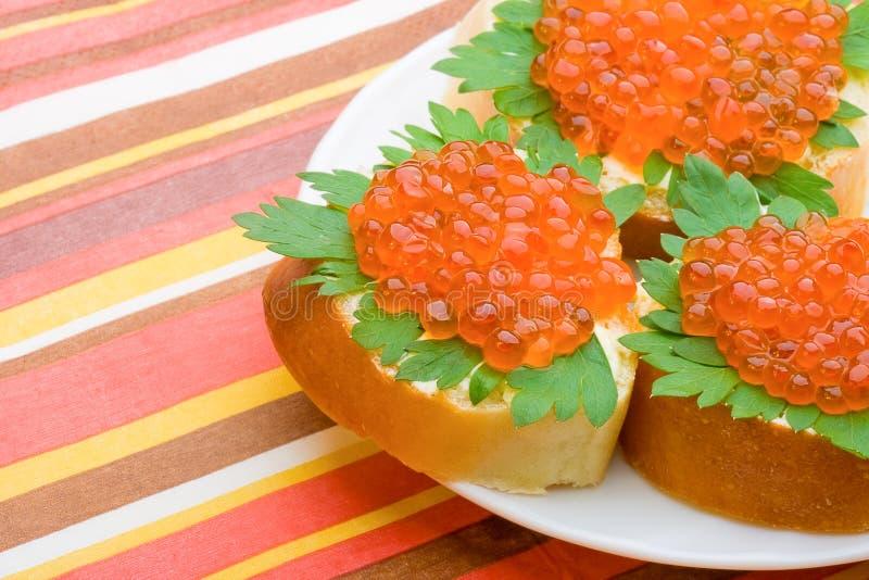 鱼子酱红色三明治 免版税图库摄影