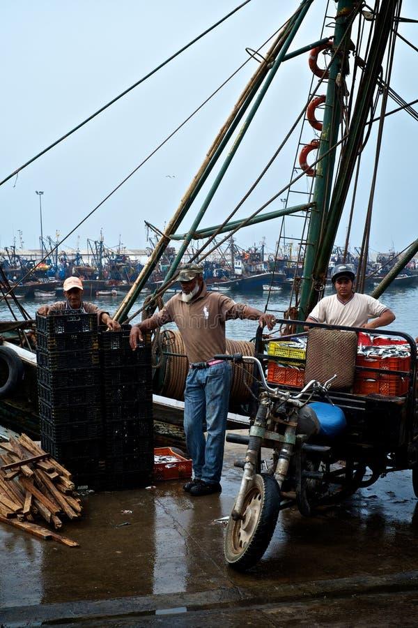 鱼市和港口有有卖抓住的本机的 免版税库存照片