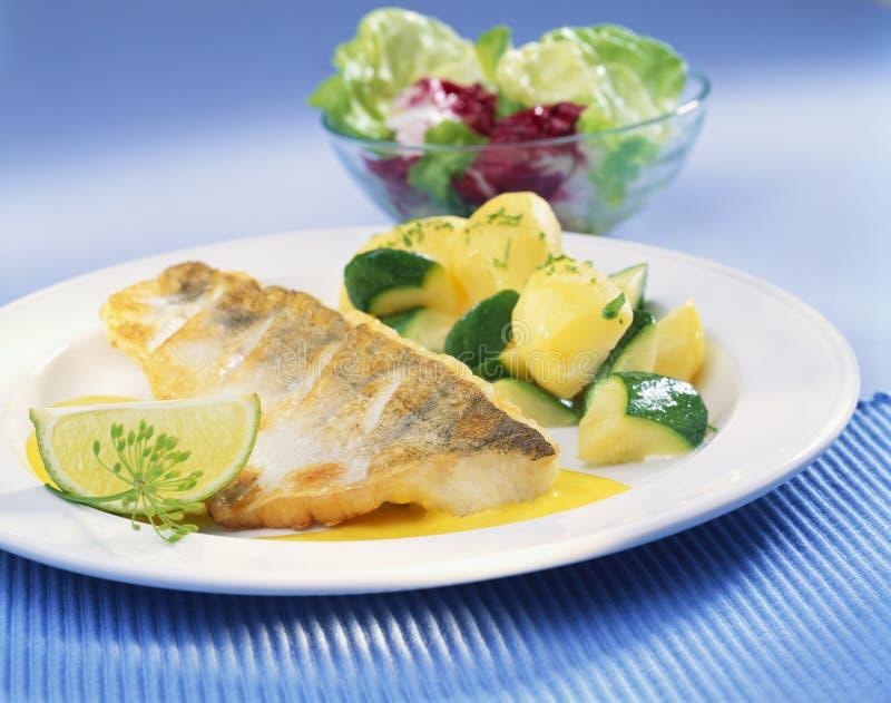 鱼蔬菜 免版税库存图片
