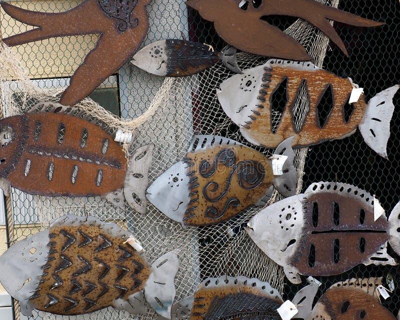 鱼装饰艺术品与鱼网的 免版税库存图片