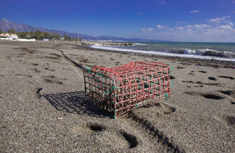 鱼陷井在海滩丢失了 免版税库存照片