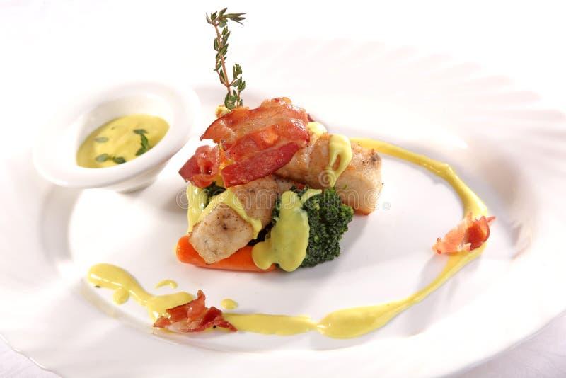 Download 鲑鱼排用小汤 库存照片. 图片 包括有 午餐, 印第安语, 五颜六色, 内圆角, 餐馆, 新鲜, 正餐, 地中海 - 72364032
