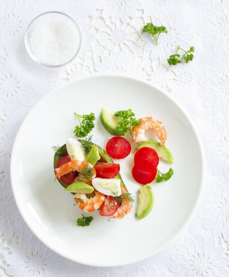 鲕梨沙拉用虾 免版税库存照片