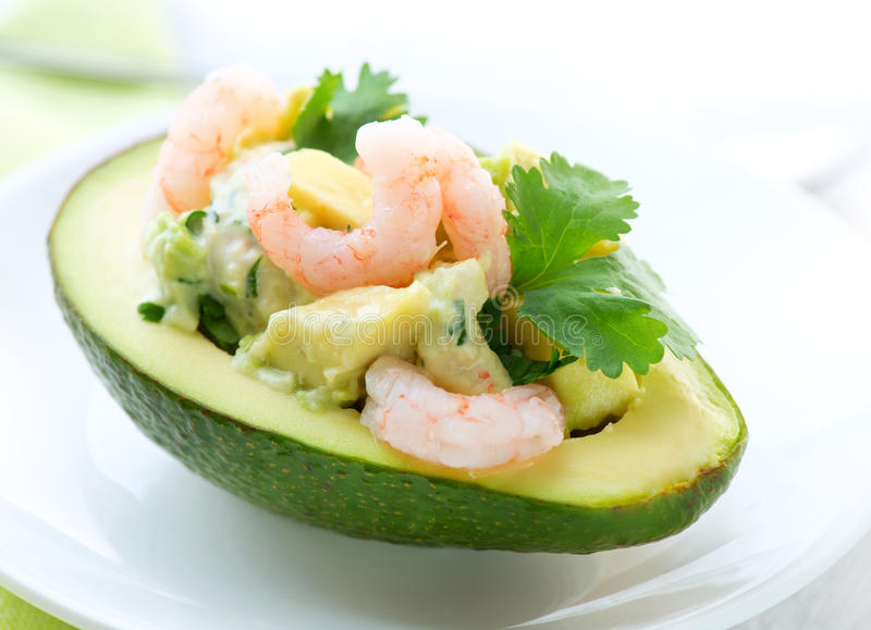 鲕梨沙拉虾 库存图片