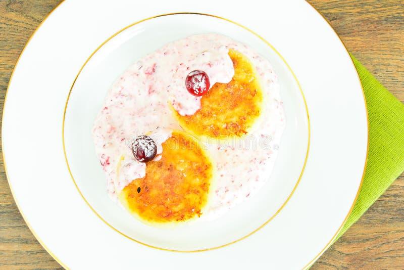 Download 鲜美和健康食物:可口乳酪蛋糕与 库存照片. 图片 包括有 果子, 部分, 水平, 特写镜头, 美食, 图象 - 62529380
