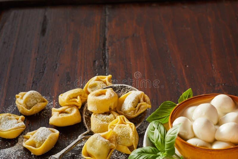 鲜美新鲜的手工制造意大利意大利式饺子面团 免版税图库摄影