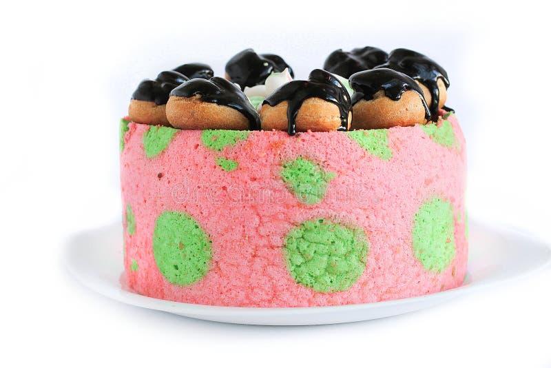 鲜美桃红色自创蛋糕 图库摄影