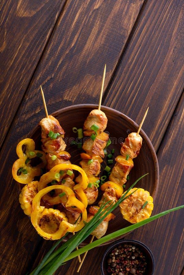 鲜美煮熟的鸡 免版税图库摄影