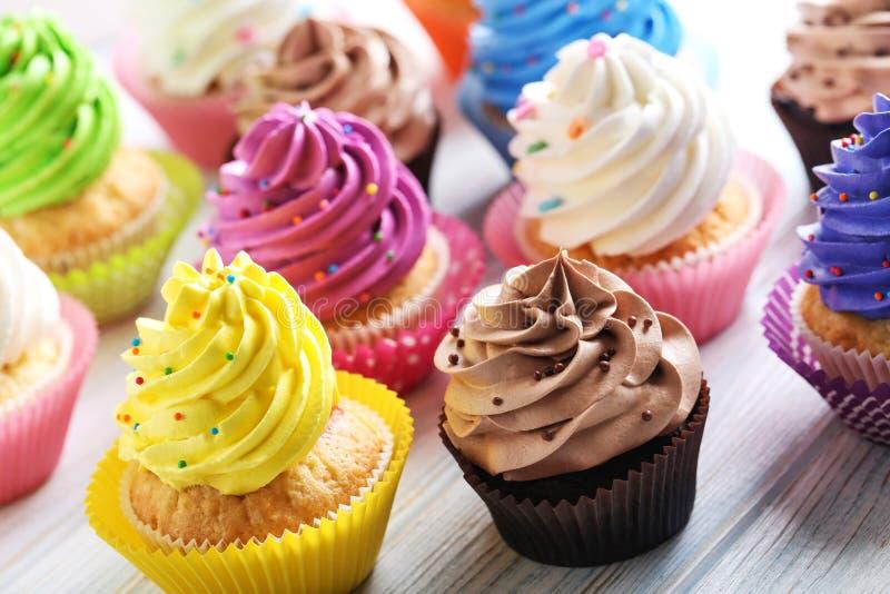 鲜美的杯形蛋糕 免版税库存图片