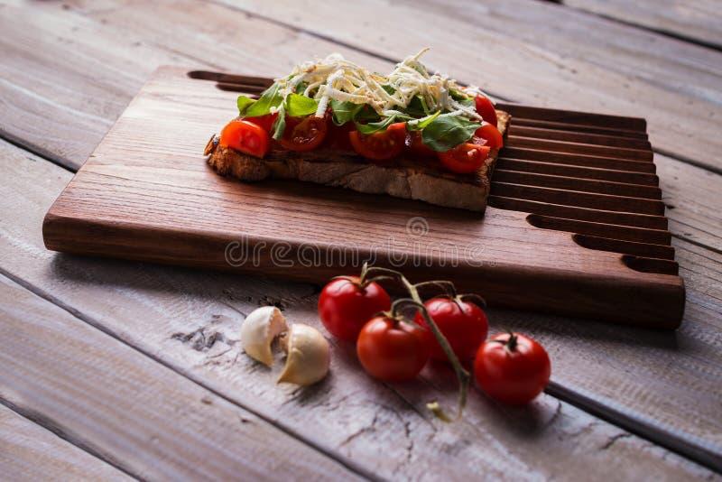 鲜美蕃茄bruschetta 免版税图库摄影