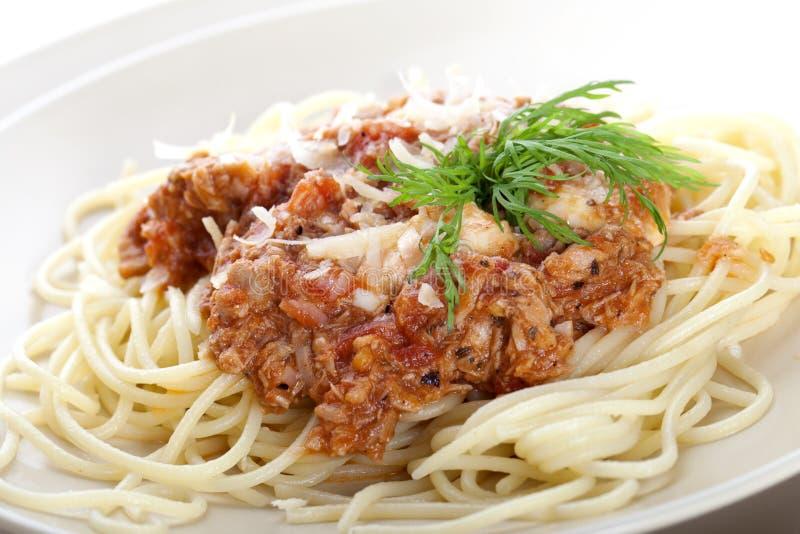 鲜美bolognese干酪巴马干酪的意粉 免版税库存图片