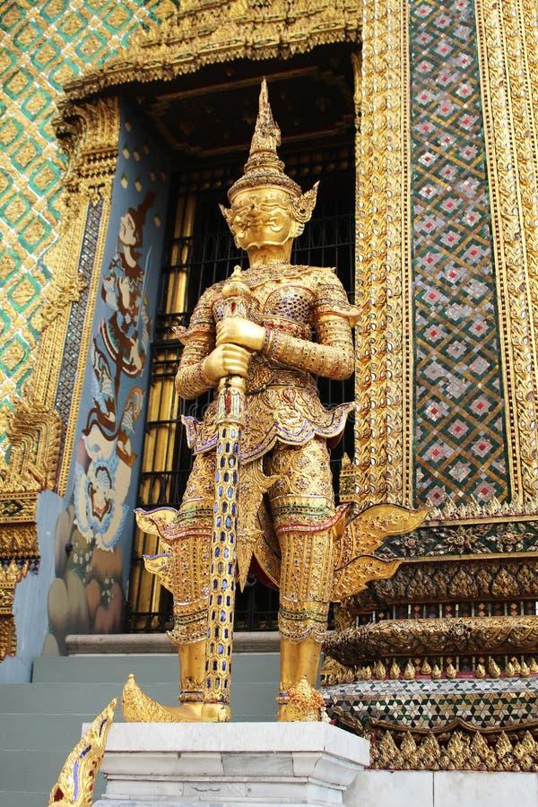 鲜绿色菩萨的曼谷泰国寺庙 免版税库存图片