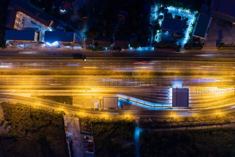 鸟瞰图夜高速公路,通行费方式,高速公路, 免版税库存照片