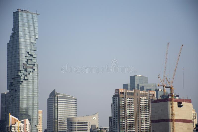 鸟瞰图曼谷市风景和都市风景从香港邮政总局的在挽叻县在曼谷,泰国 库存照片