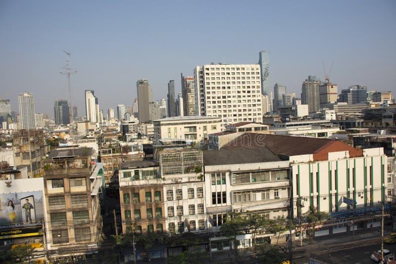 鸟瞰图曼谷市风景和都市风景从香港邮政总局的在挽叻县在曼谷,泰国 免版税库存图片