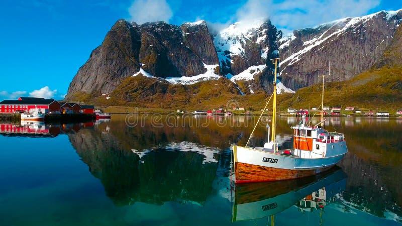 鸟瞰图, Lofoten海岛,雷讷,挪威 免版税库存图片