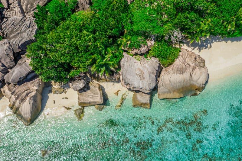 鸟瞰图:银昂斯市的来源d'拉迪格岛 免版税库存图片