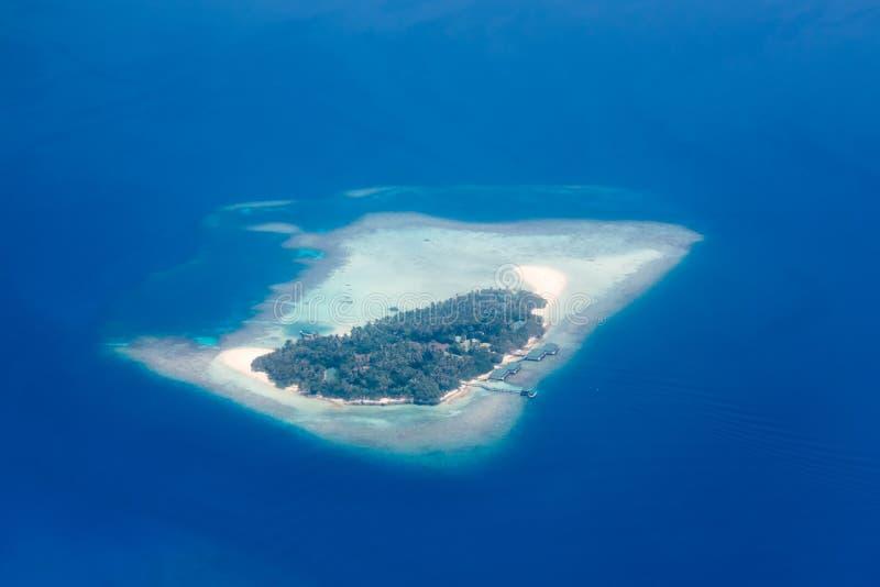 鸟瞰图-珊瑚环礁,马尔代夫 库存照片