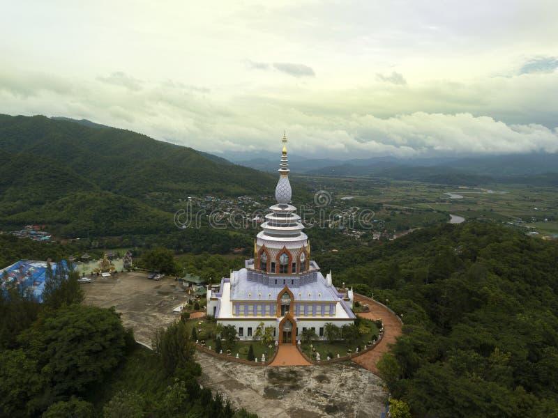 鸟瞰图Wat Thaton寺庙在清迈,泰国 库存照片