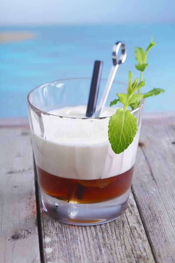 鸡尾酒咖啡俄国白色 图库摄影