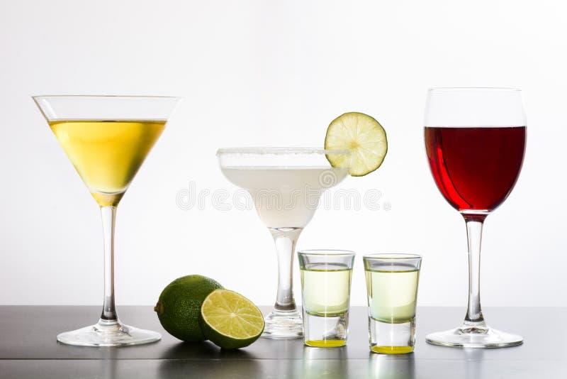 鸡尾酒品种在白色背景的 免版税库存照片