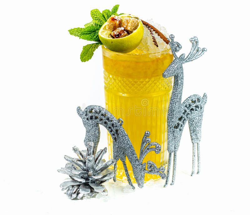 鸡尾酒用柑橘利口酒和威士忌酒 库存图片