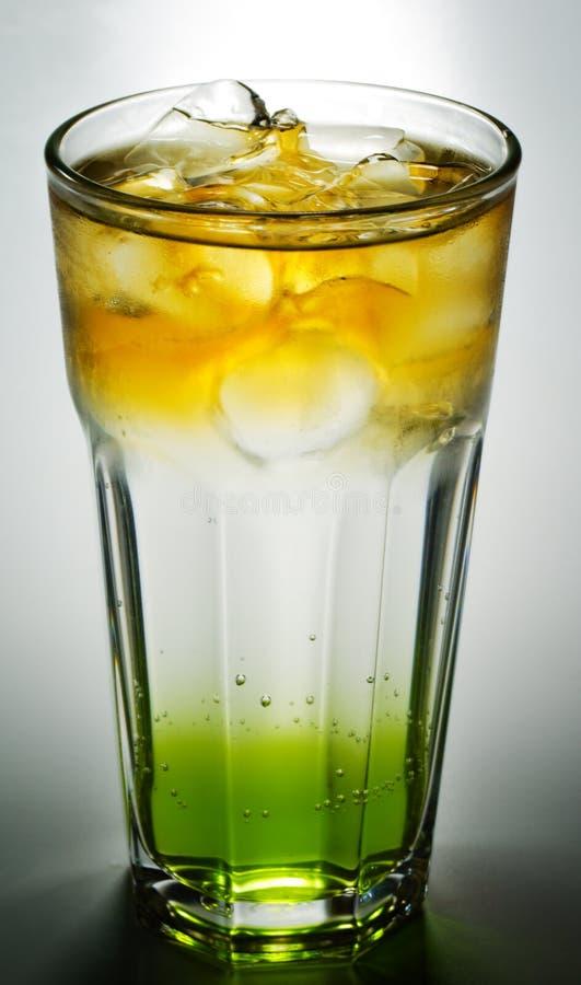 鸡尾酒科涅克白兰地碳酸钠 库存照片