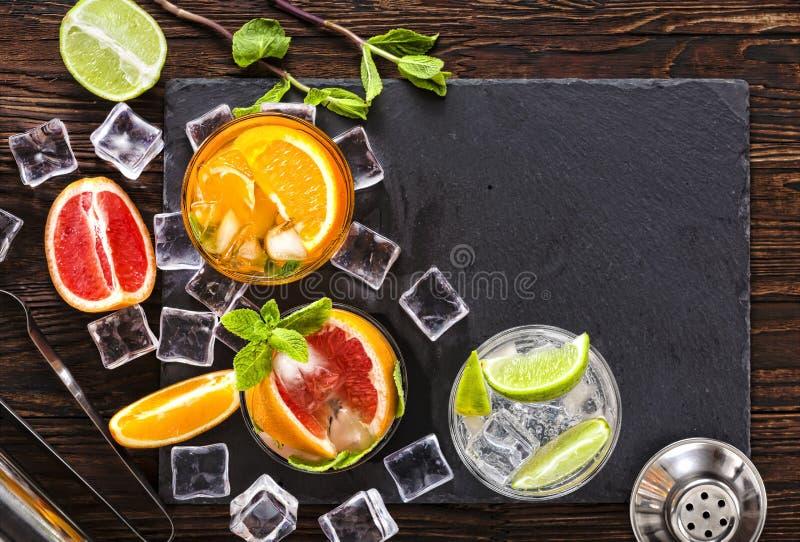 鸡尾酒,酒精,冰,饮料,果子,汁液,酒吧,党,寒冷,威士忌酒,茶点,兰姆酒,客栈,夜总会,口味 图库摄影