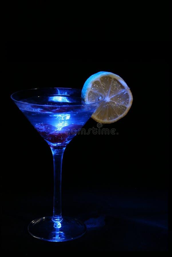 Download 鸡尾酒 库存照片. 图片 包括有 闪耀, 异乎寻常, 柠檬, 酒精, 玻璃, 樱桃, 通配, 溢出, 晚上, 鸡尾酒 - 182674