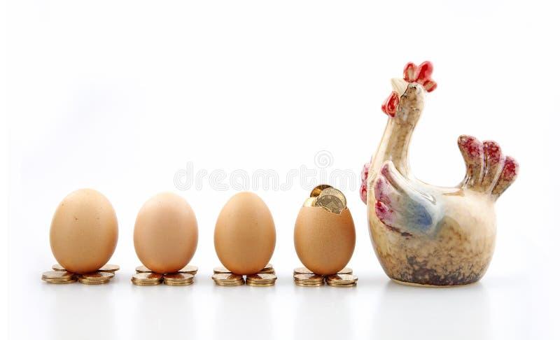 鸡模型和鸡蛋 图库摄影