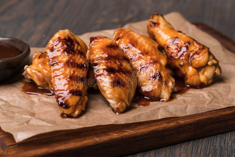 鸡油煎的翼 免版税库存图片