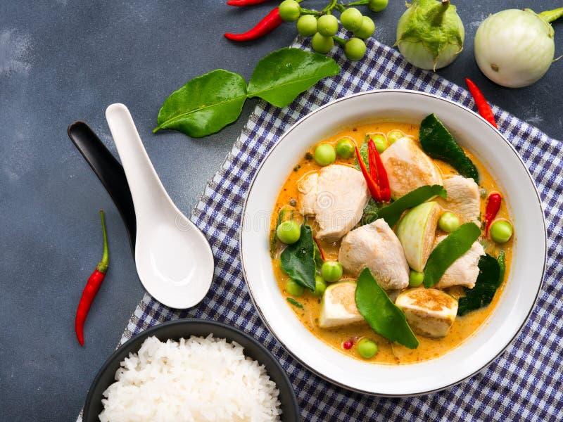鸡红色咖喱传统泰国食物 库存照片