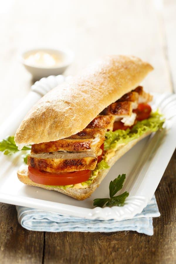 鸡肉三明治用莴苣和蕃茄 库存图片