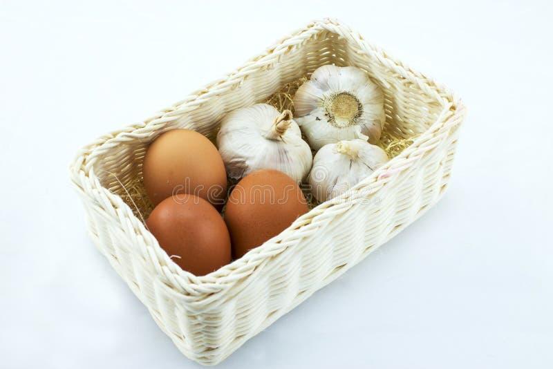 鸡蛋和大蒜 库存图片
