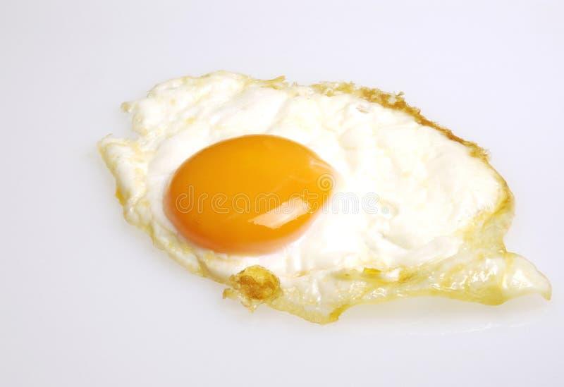 鸡蛋油煎了 库存照片