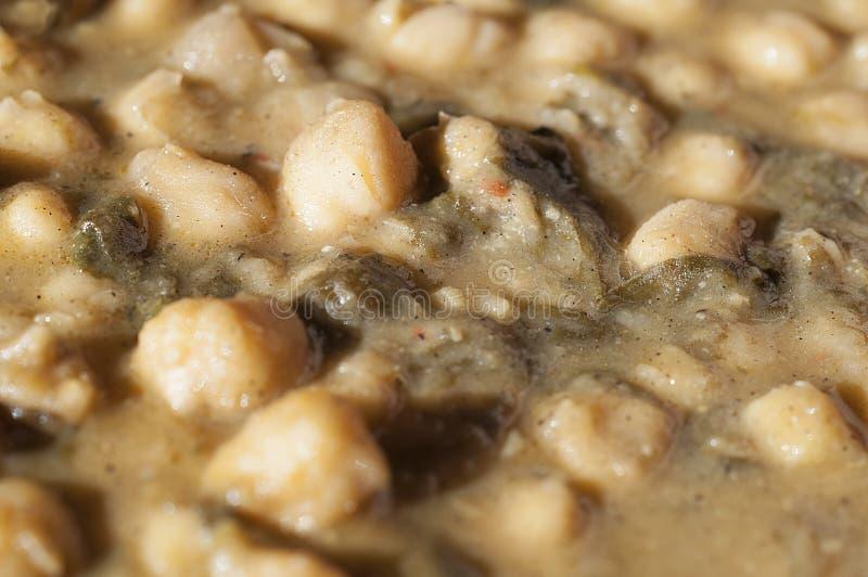 鸡豆用菠菜 免版税图库摄影