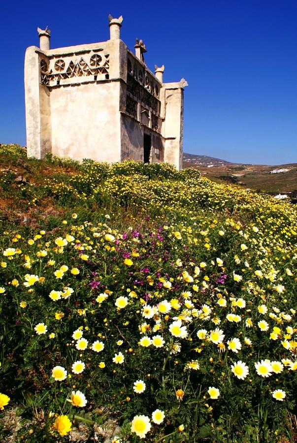 鸽子房子在蒂诺斯岛海岛,基克拉泽斯,希腊 库存图片