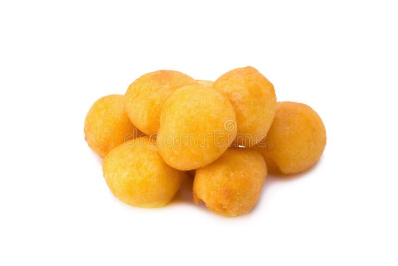 鹌鹑糖果鸡蛋,在白色后面隔绝的泰国油煎的土豆球 免版税库存照片