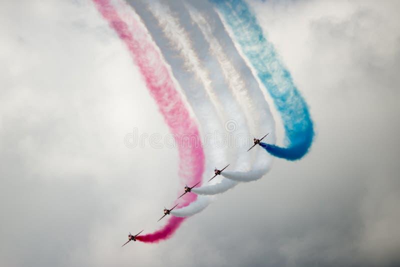 鹰在飞行表演的T1喷气机 免版税库存照片