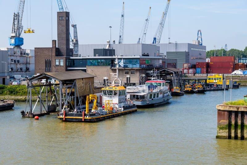 鹿特丹港口航线在鹿特丹,荷兰港口  免版税库存图片
