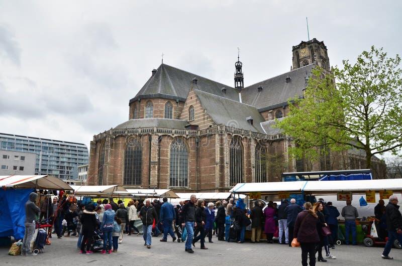 鹿特丹,荷兰- 2015年5月9日:人参观街市 免版税库存图片