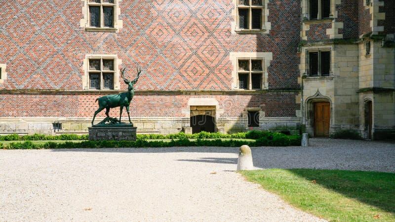 鹿雕象法庭上城堡大别墅de然镇 库存照片