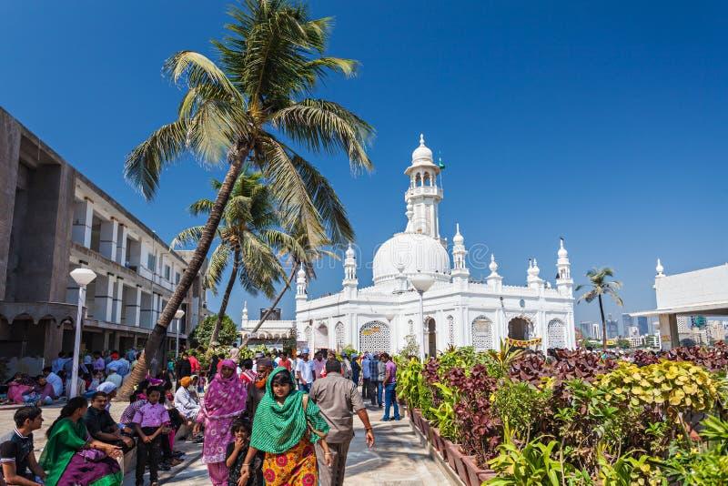 赴麦加朝圣过的伊斯兰教徒阿里Dargah 免版税库存照片