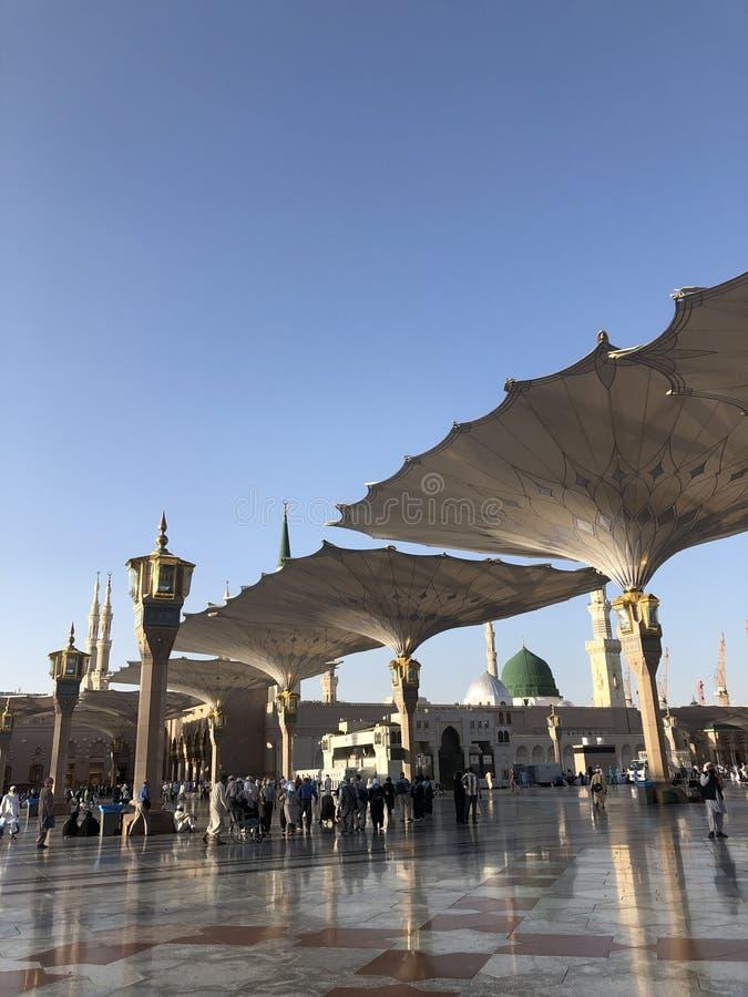 麦地那,Madinah 沙地阿拉伯航空阿拉伯半岛 先知穆罕默德清真寺 AlMasjid An-Nabavi 伟大的伊斯兰教的清真寺 在04拍的照片 28 2019? 免版税库存照片
