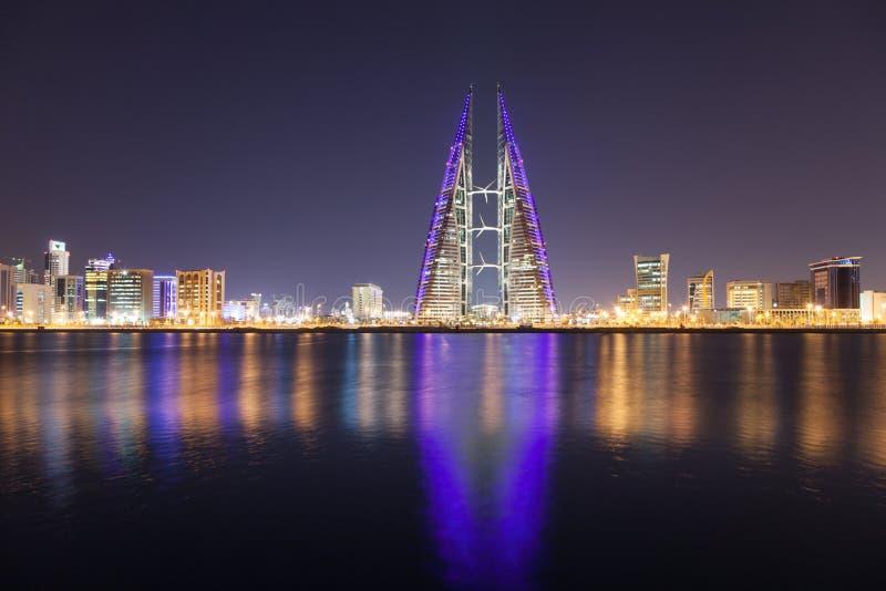 麦纳麦在晚上,巴林地平线  库存照片